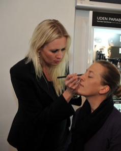Frisør og makeup artist Christina E